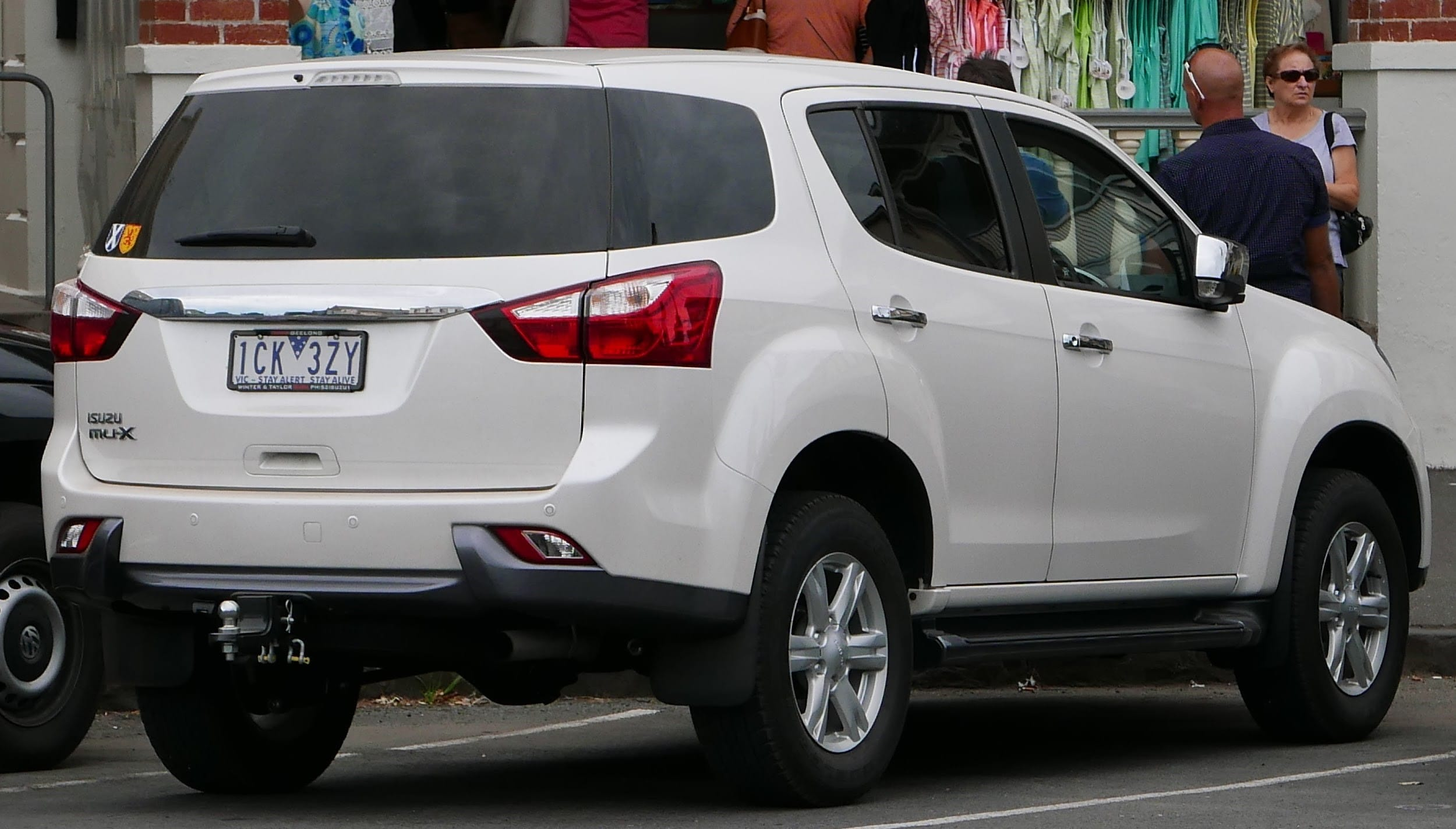 SUVs Suitable for Australian Families - Car Search Brokers
