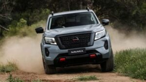 Front on view of Nissan Navara Pro4x