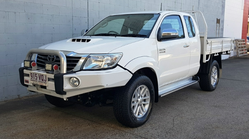 TOYOTA HILUX SR5 EXTENDED CAB KUN26R MY14 UTILITY
